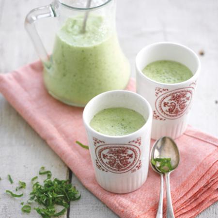 Groene gazpacho met amandelen & citroenmelisse