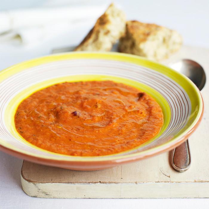 Soep van rode paprika en tomaat van Jamie Oliver