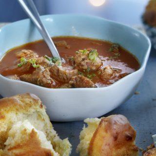 Soep van geroosterde tomaat en knoflook
