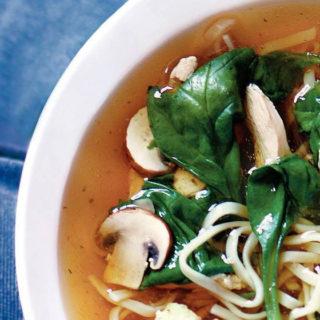 Chinese kippensoep met spinazie