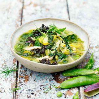 Kippen-groentesoep van Jamie Oliver