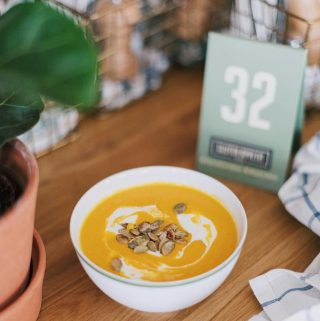 Pompoen-wortelsoep met sinaasappel en gember