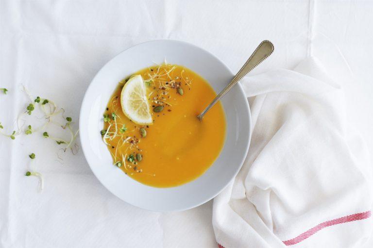 Frisse pompoensoep met gember en sinaasappel
