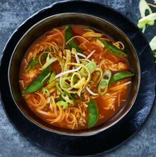 Rijkgevulde Chinese tomatensoep